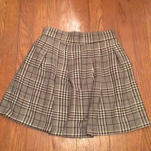 *MAKE OFFERS!* Candies Plaid skirt
